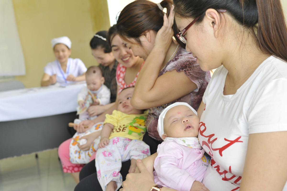 Tiêm chủng là biện pháp phòng bệnh hiệu quả nhất cho con bạn và cộng đồng